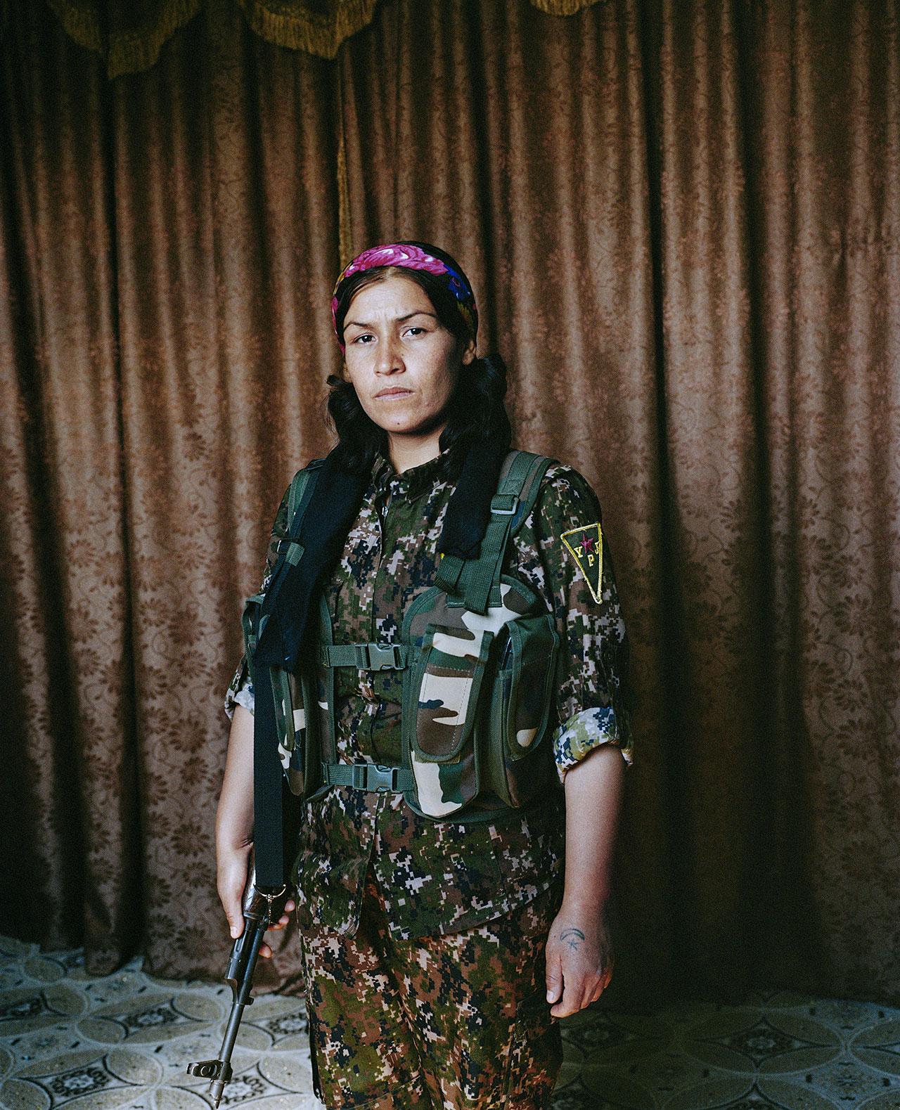 Sonja Hamad - »Jin – Jiyan – Azadi« Women, Life, Freedom. Die kurdischen Kämpferinnen. - Felix Schoeller Photoaward