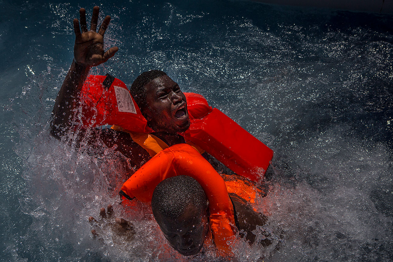 Mathieu Willcocks - Mediterranean Migration - Felix Schoeller Photoaward