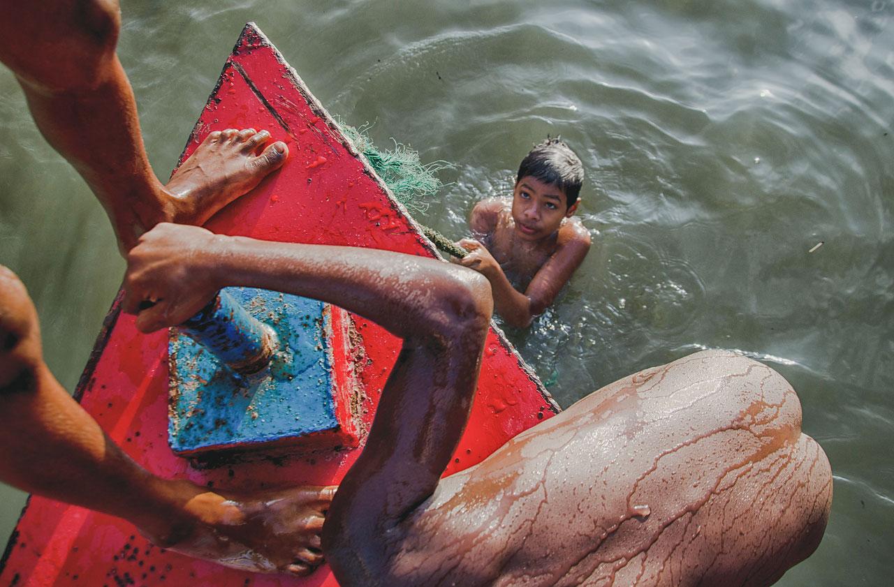 Mohammad Fahim Ahamed Riyad - Children of the dead river - Felix Schoeller Photoaward