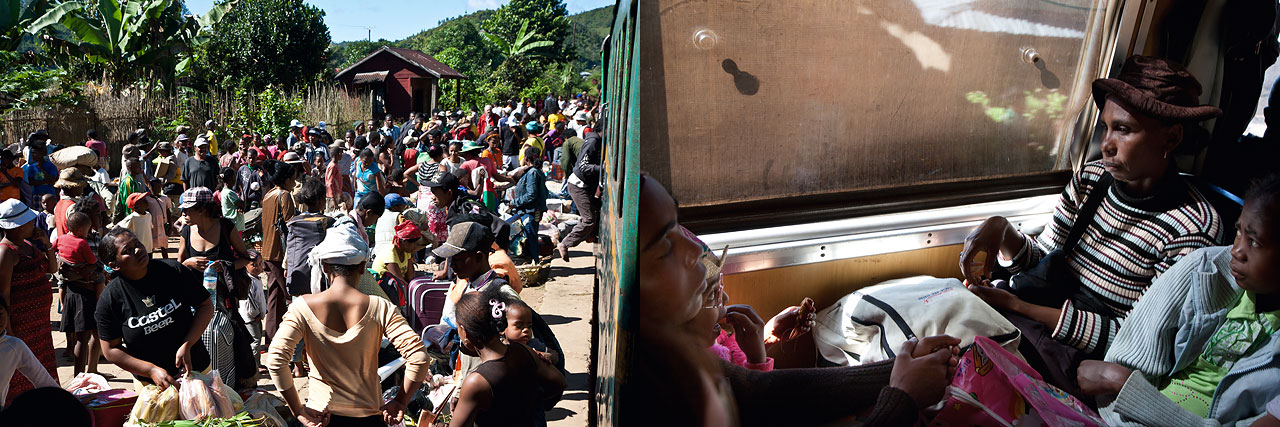 Nathalie Bertrams - Fianarantsoa: Der Zug - Felix Schoeller Photoaward